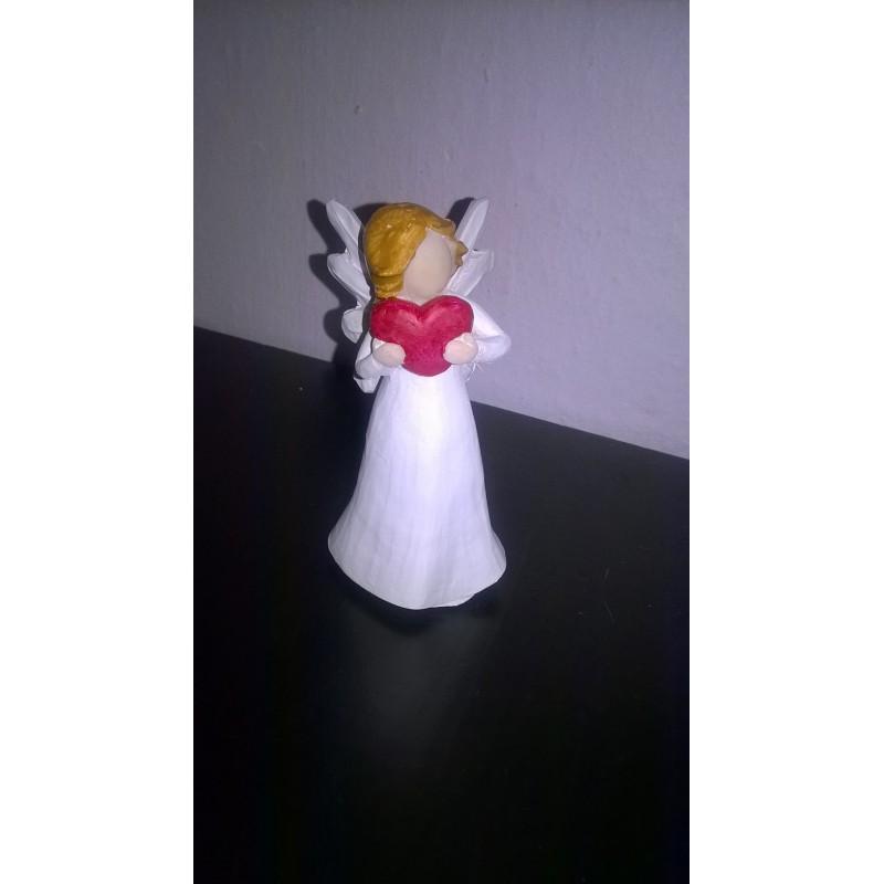 Figurka andílka se srdcem